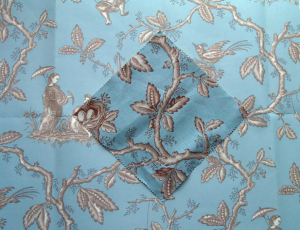 Fabric and wallpaper in Chinoiserie style