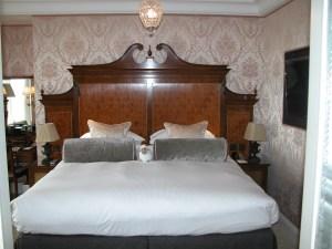 Goring Hotel Regency headboard