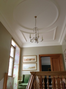 Simple and elegant ceiling details